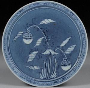 DISH-Blue-and-white with flower and fruit design (Early Imari style)