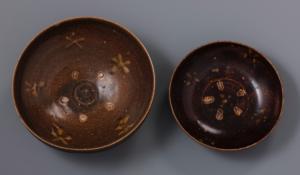 Bol et coupe à décor de fleurs thị (plaqueminier)